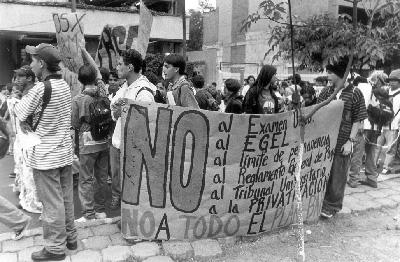 Estudiantes de paraguay - 1 9